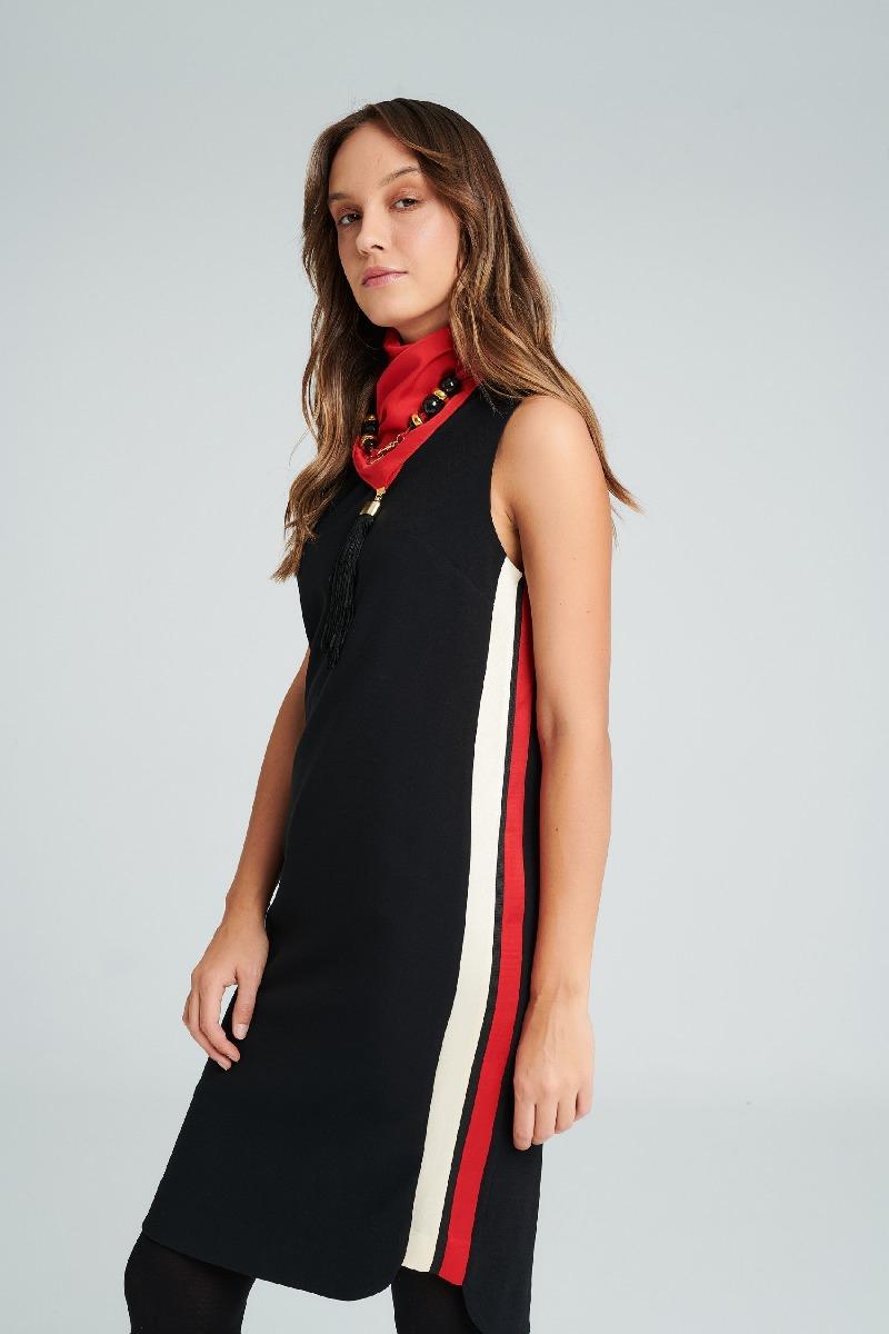 Φόρεμα με φάσες εκρού κόκκινες στο πλάι