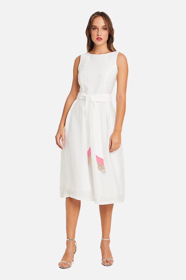 Φόρεμα λευκό με ζώνη με λεπτομέρειες