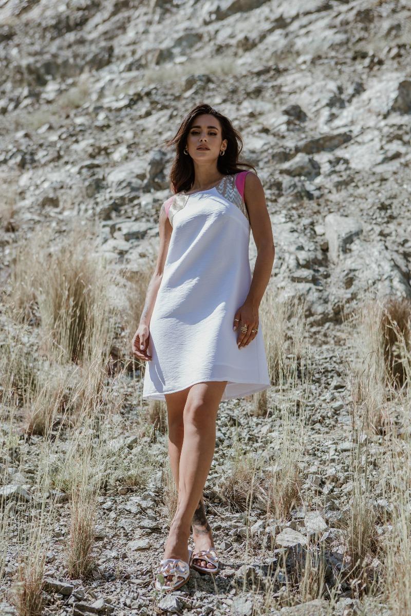 Φόρεμα κρεπ με παγιέτα στους ώμους