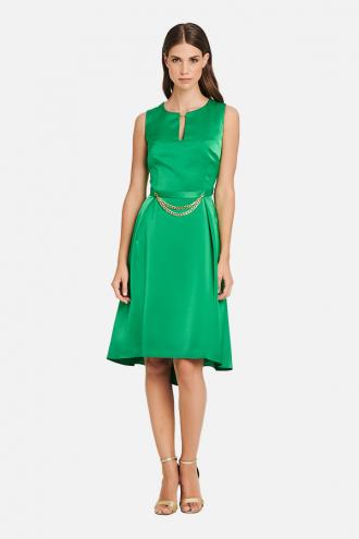 Φόρεμα σατέν με αλυσιδάκι στη ζώνη